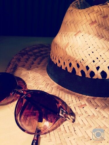 Summer mood, panama hat, rounded, sunglasses, fashion, accessories, details