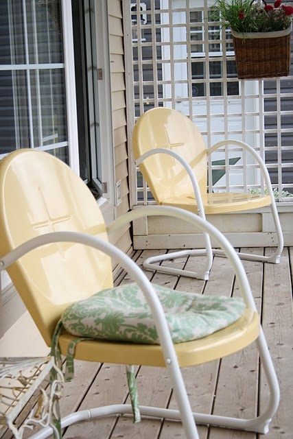 Buttery yellow vintage chairs.  I like the color.  My grandparents had red chairs like these.