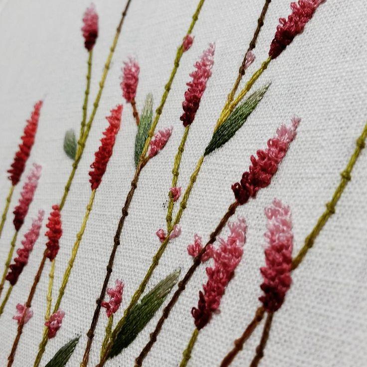여귀... #프랑스자수 #생활자수 #자수공방 #야생화자수 #부산프랑스자수 #embroidery