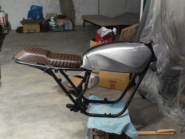 CAFE RACER FORUM . IT - Suzuki GSX 400 F