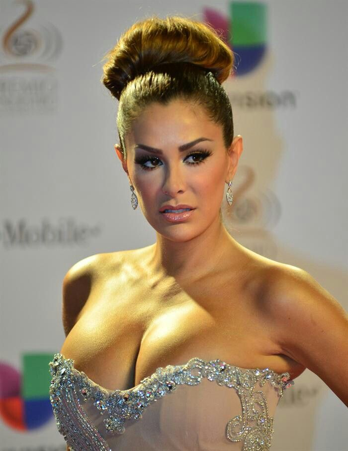 conde milf women Cristina pedroche 28/10/10 minab69fg loading  supermodelo para women'secret - duration:  patricia conde descuido - duration:.