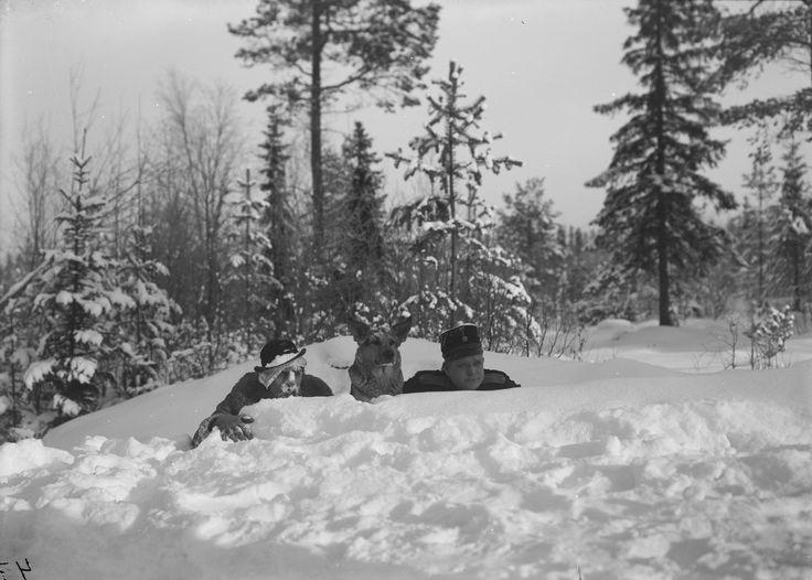 POLIS PAULUS' PÅSKASMÄLL (The Smugglers) [Lo scherzo pasquale del poliziotto Paulus / Constable Paulus' Easter Crackers] (SE 1925) Gustaf Molander