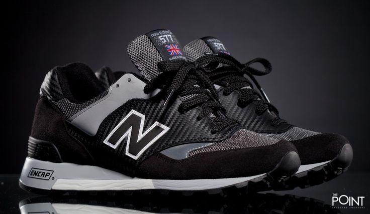 Zapatillas New Balance M577 K Made in UK, ya empezamos a recibir la nueva #colecciónOtoñoInvierno2016 de la marca de #zapatillasNewBalance, esta vez presentando el modelo de #zapatillasNewBalanceM577MadeinUK en un coloway negro combinado con tonos grises y pequeños toques en color blanco, visita nuestra #tiendaonlinedezapatillas #ThePoint y hazte con ellas http://www.thepoint.es/es/zapatillas-new-balance/1018-zapatillas-hombre-new-balance-m577-k.html