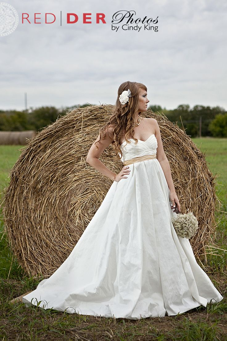Country Bridal Portrait Session - hay bale Bridal session in Argyle TX.  Created by REDDER Photos by Cindy King.  Website: www.redderphotos.com