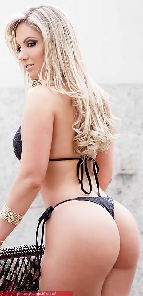 image Big butt nina kayy uses hitachi to squirt her cum