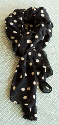 polka dot scarf  http://rstyle.me/n/n8jvnpdpe