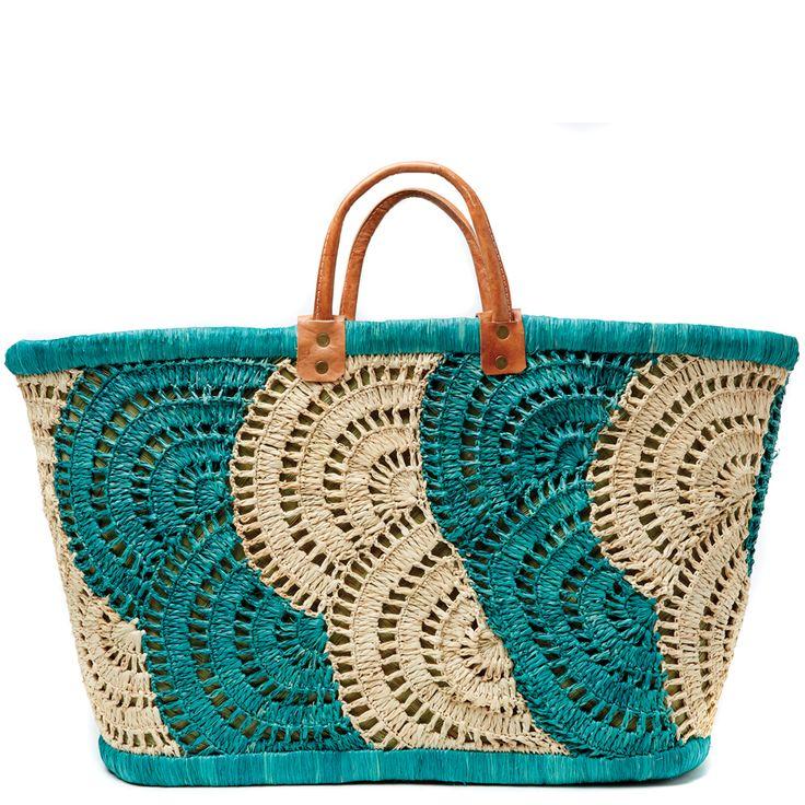 HolaEste post es solo para compartir una empresa que se dedica a trabajar el Arte del Crochet Mar y Sol, donde trabajan bolsas, clutches, sombreros, monederos; todo inicia desde la producción de la materia prima hasta el producto terminado, es una emoción ver este trabajo ya que parten prácticamente de cero. La tienda se encuentra en Madagascar. No dejen de ver el video.  ...