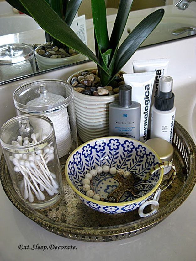 Simple and Stylish Tray Organizer | DIY Easy Organization for Bathroom by DIY Ready at http://diyready.com/organization-hacks-bathroom-storage-ideas/