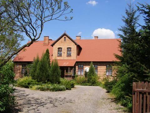 Leśniczówka w Ryjewie (województwo pomorskie) wzniesiona w XIX wieku. Obecnie - gospodarstwo agroturystyczne.
