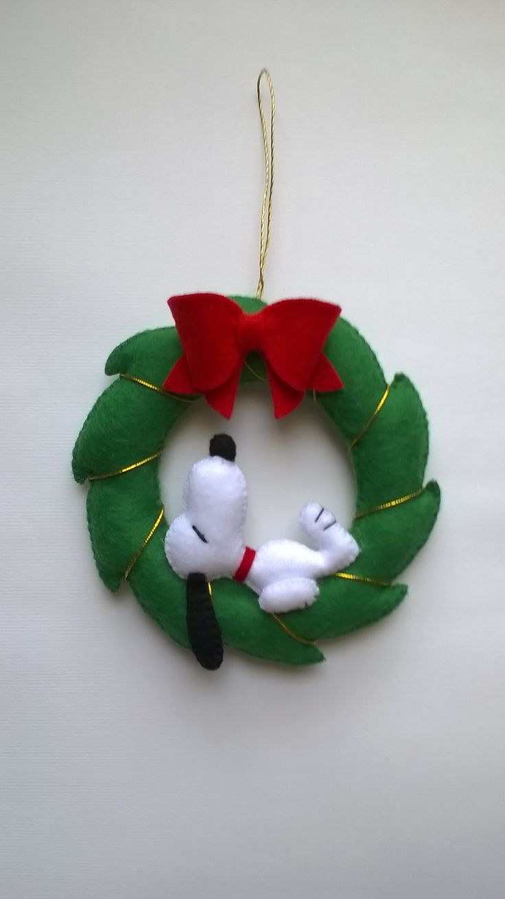 Snoopy wreaths