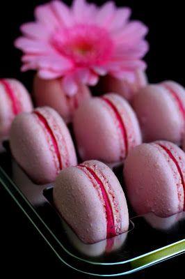 Kakkuviikarin vispailuja!: Macarons