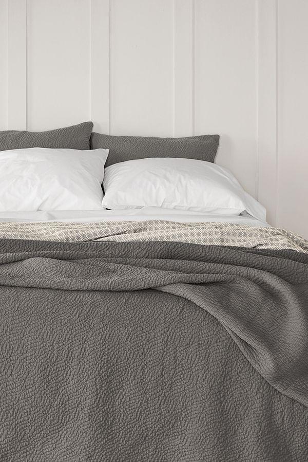 Modern Bedding Coverlet Bedding Modern Bed Bed