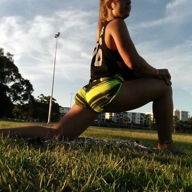 Flexibilitet och mobilitet. A och O i crossfit. Mycket för att man kan utföra alla rörelser maximalt och utan svårigheter - men också för att undvika skador. Romwod funkar utmärkt för mig.  Måste tipsa er om TRÄNINGSDAGBOKEN ni hittar på www.sportkost.se. SÅ lätt att skriva ner alla era resultat och följa er utveckling. :) #crossfit #fitness #romwod #träning #kost #hälsa #sportkost #mobility #sydney #australia #stretch