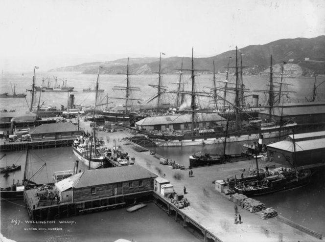 Burton Brothers (Dunedin), 1868-1898 :Overlooking Queens Wharf in Wellington