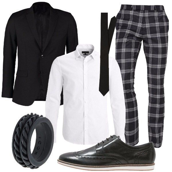 I pantaloni dal taglio classico neri a quadri bianchi si abbinano alla camicia bianca linea slim e colletto alla francese e alla cravatta media larghezza nera. Aggiungiamo una giacca nera a due bottoni dal taglio asciutto e i revers stretti. Ai piedi scarpe stringate in pelle nera con impunture tono su tono e para sottile bianca. Per finire anello a fascia nero con motivo di decoro di intrecci a rilievo tono su tono.