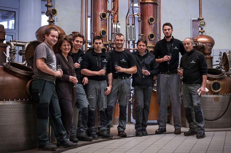 Ecco il gruppo che ha lavorato con passione durante tutto il periodo della distillazione: dal 4 settembre al 4 dicembre.