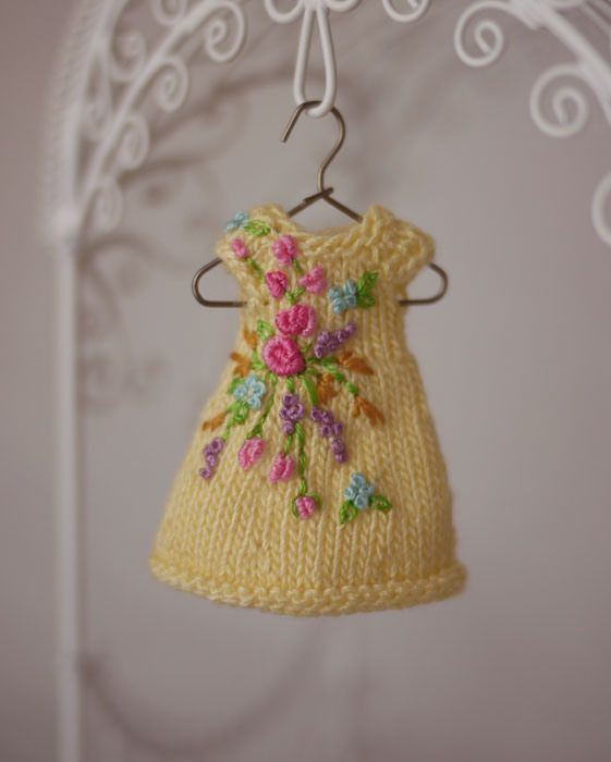 Fall Sunshine, a hand knit & embroidered dress/hat set for Amelia Thimble dolls. cindyricedesigns.com