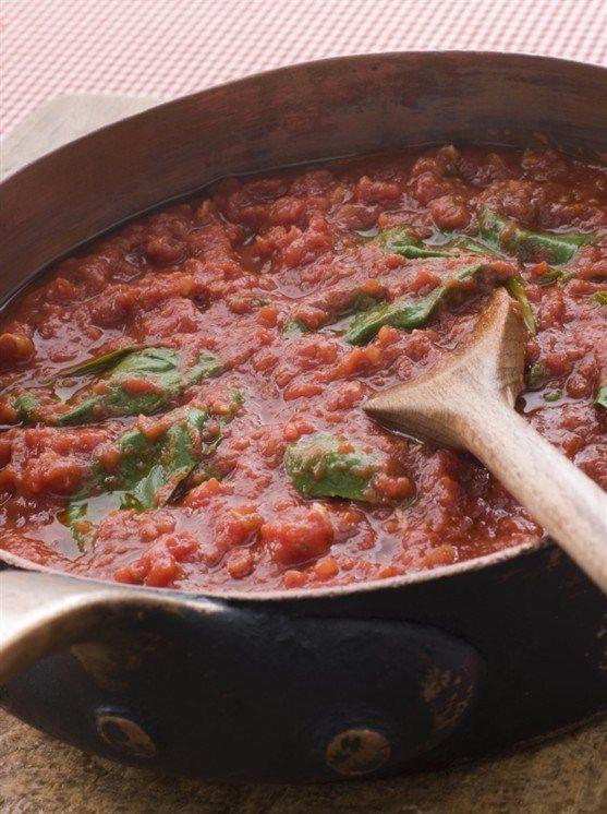 Соус из запеченных помидоров и базилика