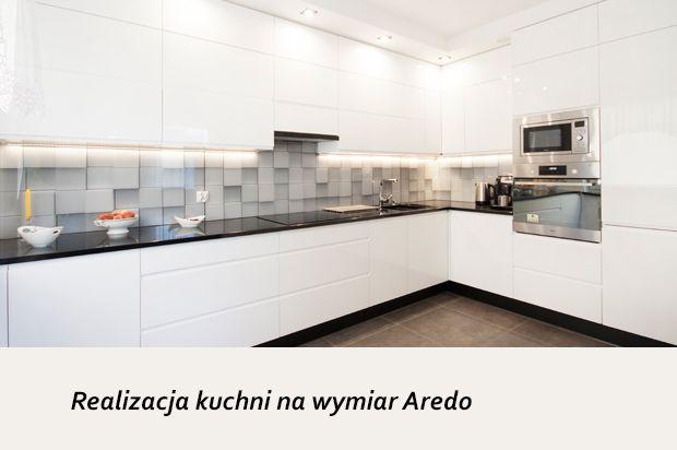 Prezentujemy Zdjecia Kolejnej Naszej Realizacji Tym Razem Dosc Duza Nowoczesna Kuchni W Calosci Wykonana Z Bialej Plyty La Kitchen Kitchen Cabinets Home Decor
