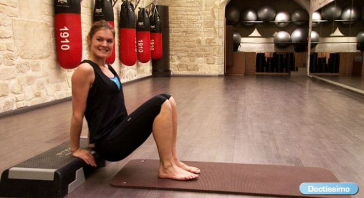 Les bras sont une zone qui se relâche facilement. Pour savoir comment se muscler les bras rapidement, découvrez les exercices de fitness de notre coach Lucile faciles à réaliser chez soi. Grâce à ses séries sur-mesure, à vous les bras musclés, vite fait bien fait!