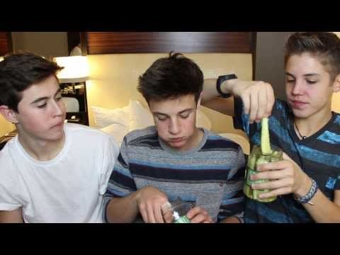 Waxing Legs With Pickles - YouTube OMG!!!!!! I cannot stop laughing!!!!! You have to watch this!!!!