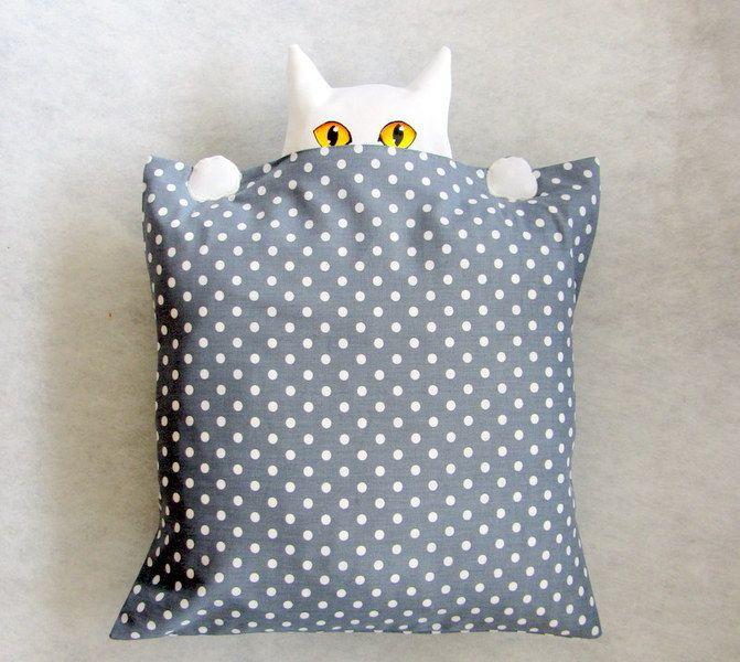 """Kissenhülle """"Wo ist die Katze""""? von CaTsablanca auf DaWanda.com"""