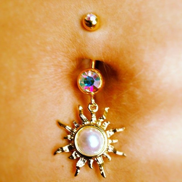 Belly Ring♥♥  I want this.