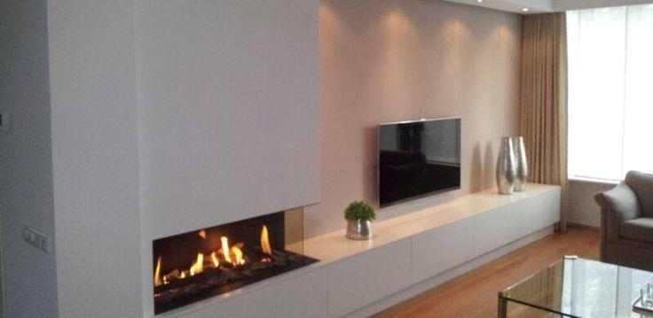 25 beste idee n over wand open haarden op pinterest - Opslag idee lounge ...