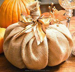 How+to+Make+a+Burlap+Pumpkin