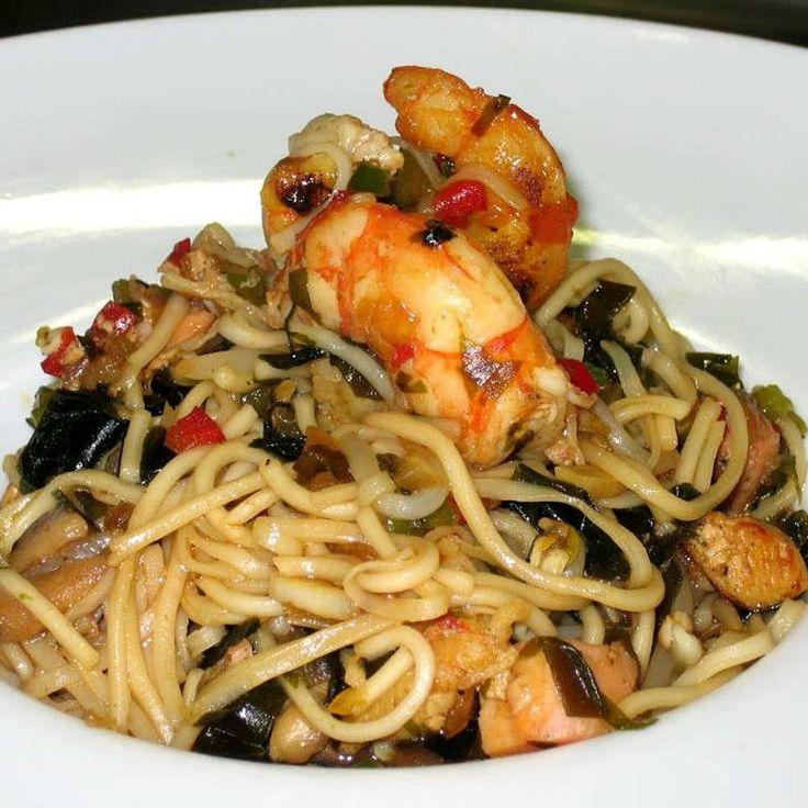 Noodles con alga kombu. Una receta de corte oriental con aires de vanguardia.