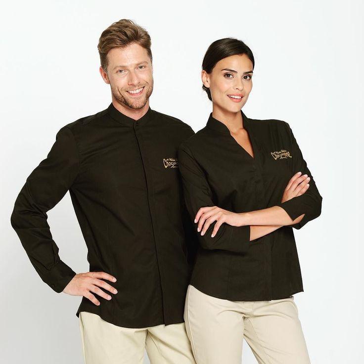 NEU im Online Shop: Schicke Blusen und Hemden mit Stehkragen!  Mehr Infos auf  comofashion.de  #berufsbekleidung #arbeitskleidung #corporatefashion #workwear #bluse #hemd #stehkragen #fashion #chic #gastronomie #hotellerie #catering #workuniform #businesscasual #businesswear #buttondowns #new #onlineshop