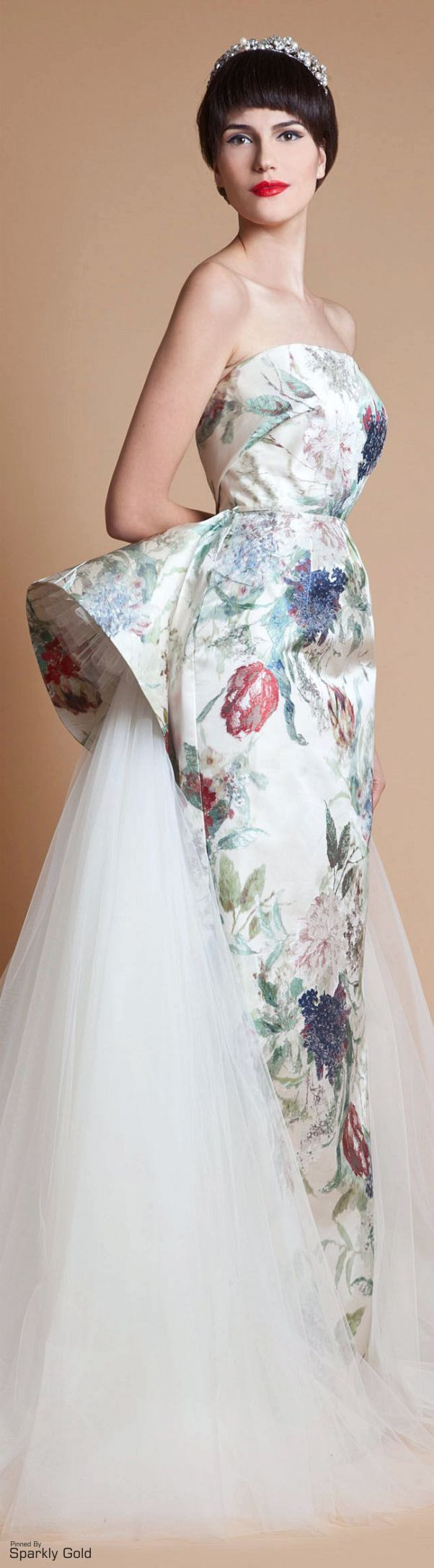 Azzi & Osta S/S 2013 jαɢlαdy. This with African print fabric