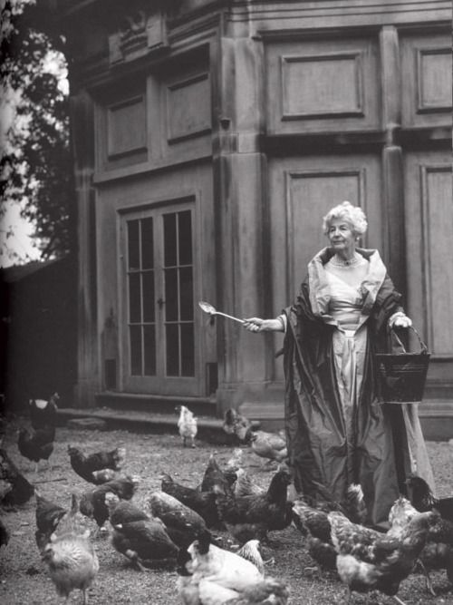 Duchess of Devonshire with her chickens... awesome.