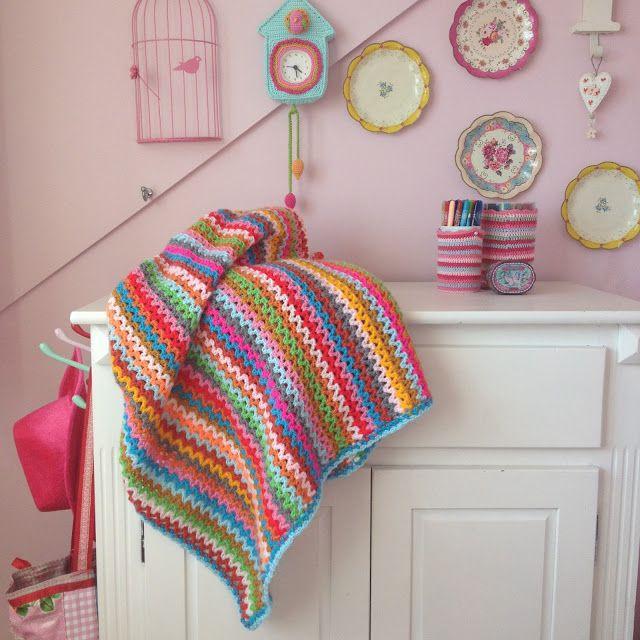 http://ak-at-home.blogspot.co.uk/2016/03/crochet-deken-zigzag.html