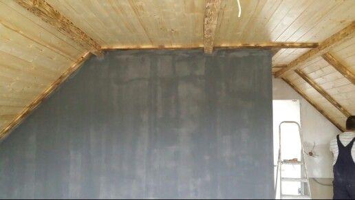 Przygotowanie ściany pod deski