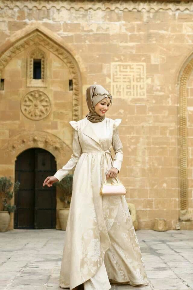 Turkish style-color and style of the dress