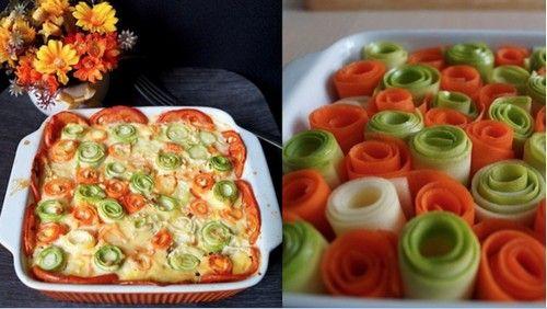 Овощная запеканка - очень нарядная и вкусная. Готовится из простых овощей: морковки, кабачков, помидоров. Ингредиенты, описание приготовления блюда.