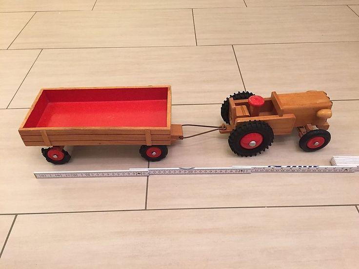 DDR Traktor aus Holz mit Anhänger von Heisso Thüringen