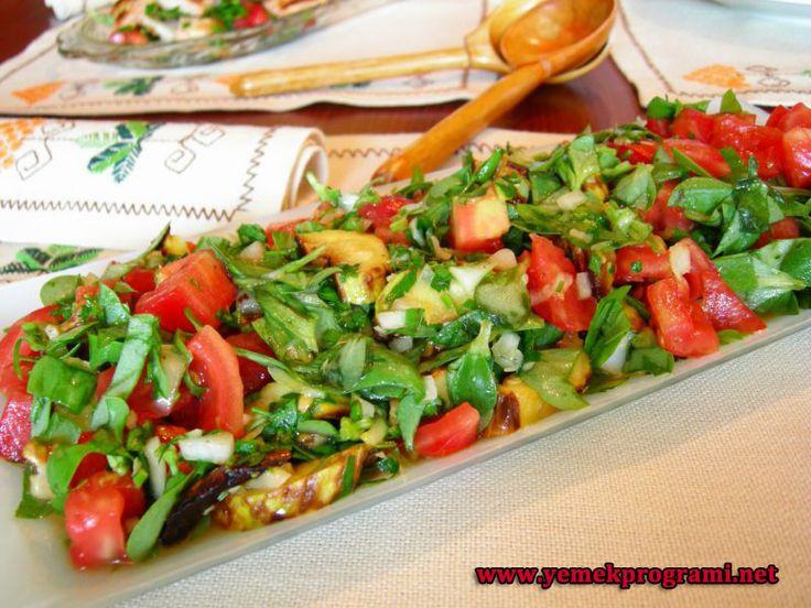Semizotlu Yeşil Salata Tarifi http://www.yemekprogrami.net/salata-tarifleri/semizotlu-yesil-salata-tarifi.html