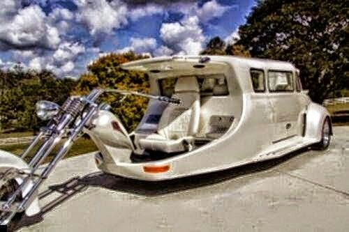 Motor lakókocsival