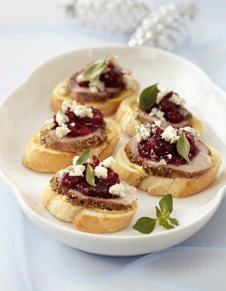 Portons un toast ! >  http://www.elle.fr/Noel/Cuisine/Menus-de-Noel/Aperitifs-de-Noel/Toasts-Noel