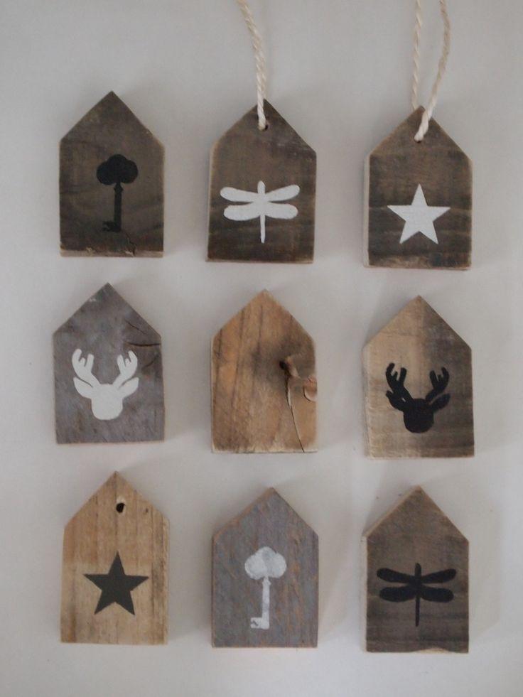 Sloophouten huisjes wood hangtags from holland