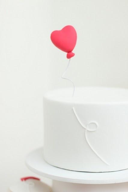 simple heart balloon cake