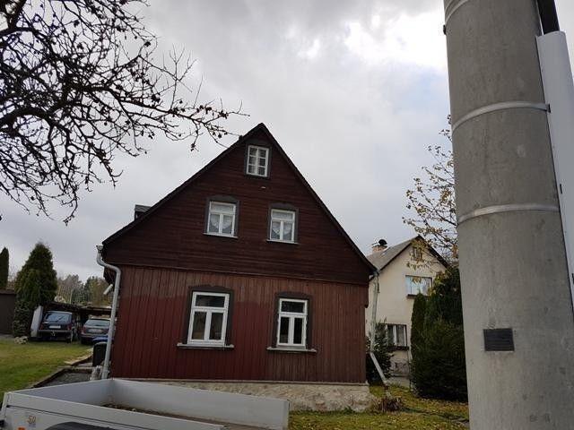 sächisches Staatsbad Bad Brambach - Ob als Einfamilien - oder Ferienhaus - 560 m² Grundstücksfläche  Details zum #Immobilienangebot unter https://www.immobilienanzeigen24.com/deutschland/sachsen/08648-bad-brambach/Einfamilienhaus-kaufen/27968:-1456780513:0:mr2.html  #Immobilien #Immobilienportal #BadBrambach #Haus #Einfamilienhaus #Deutschland