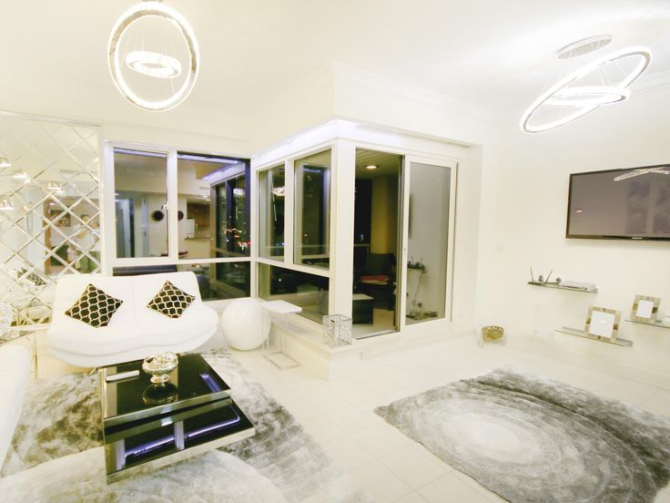 Book the Best vacation rentals in Dubai at the most Affordable Prices, Guaranteed. Browse our selection of three bedroom vacation rentals in Dubai, close to shops, restaurants and beaches etc.  Have a look: http://www.uae-bookings.com/  #vacationideas  #Dubai #Holidaytips