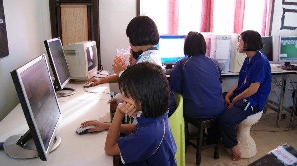 The Resource Center in Thailand w/ The SOLD Project.