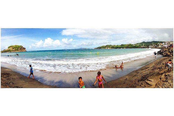 #Madinina vue par @jeanjoakadjja: Amuses toi autant que tu peux ; profites tant que faire ce peux ; car le temps passe trop vite. Surtout tends la main aux autres ; tu entends mon ami(e)  __One Life TO Live__  #sea #sun #sky #bluesky #shining #panorama #landscape #horizon #nature #ig_martinique #children #play #caribean #beachlife #keepsmiling #staystrong #livemelife #saddest #blessings #free #lecoeur #life #friends #rip #oltl #views   #JEANCHO #PIRATEDESCARAIBES #GANDJO #WeLike ! A voir sur…