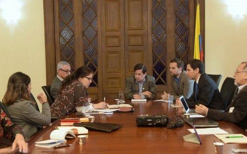 El ministro Juan Fernando Cristo se reunió con la Misión Electoral Especial imagen 1