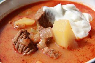 Gulasj suppe med rømme - http://www.alleoppskrifter.no/o/gulasj-suppe-med-r%C3%B8mme-92495.html