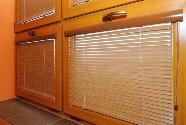 Vnitřní žaluzie představují jeden z nejstarších a nejrozšířenějších způsobů stínění. Jsou vhodné pro všechny typy oken. http://www.hzb.cz/menu-hlavicka/zaluzie/vnitrni-horizontalni-zaluzie/